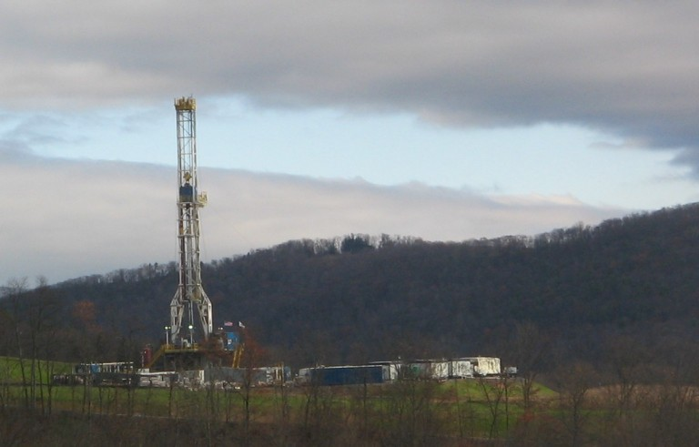 DEC Recommends Lifting Hydrofracking Ban