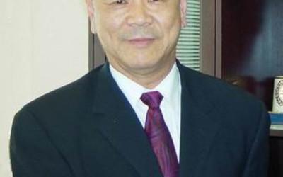 Meng Phones Key Witness Against Him in Fraud Case