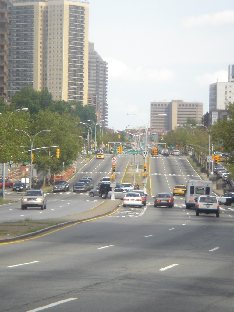 Local Politician Requests Emergency Lanes on Queens Boulevard