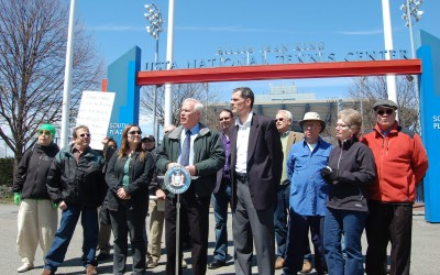 Pols, community activists rally against proposed USTA expansion