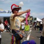 Balloon Artist Shawn Henderson at work- (2)