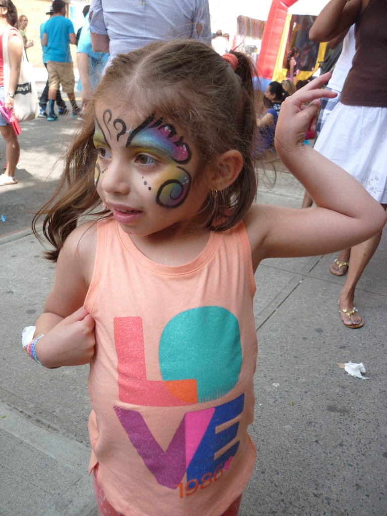 Thousands Hit Forest Hills For Arts Fair
