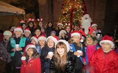 With Santa and Song, Reveling in Holiday Cheer in Middle Village
