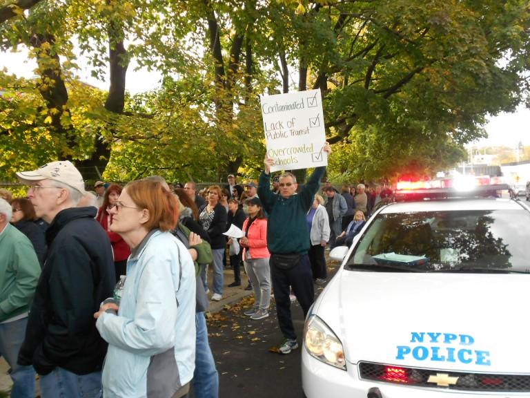 Queens Residents, Pols Slam Glendale Homeless Shelter Plan at Public Hearing