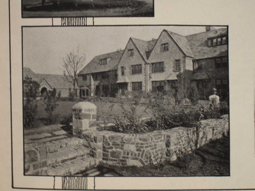 A 1928 photo of Forest Close, an area that was built in 1927 is situated between Queens Boulevard and Austin Street between 75th and 76th avenues. Photo courtesy Michael Perlman