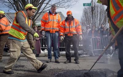 Mayor fills Maspeth in on pothole plan