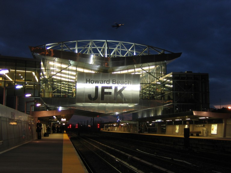 JFK Baggage Handlers Charged with Stealing Credit Cards, Checks and Money: Queens DA