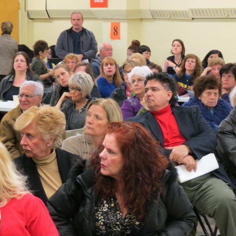 Hundreds Gather to Vent Frustrations Over Build It Back at HB-Lindenwood Civic