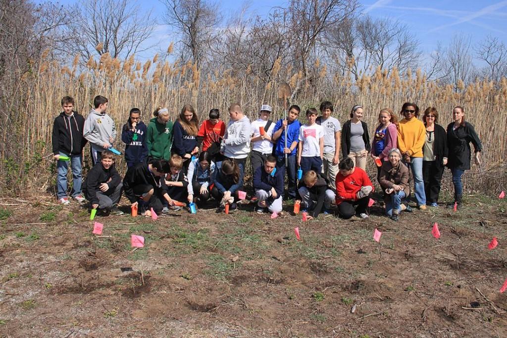 P.S. 47 students plant 150 milkweeds. Photo courtesy Don Riepe.