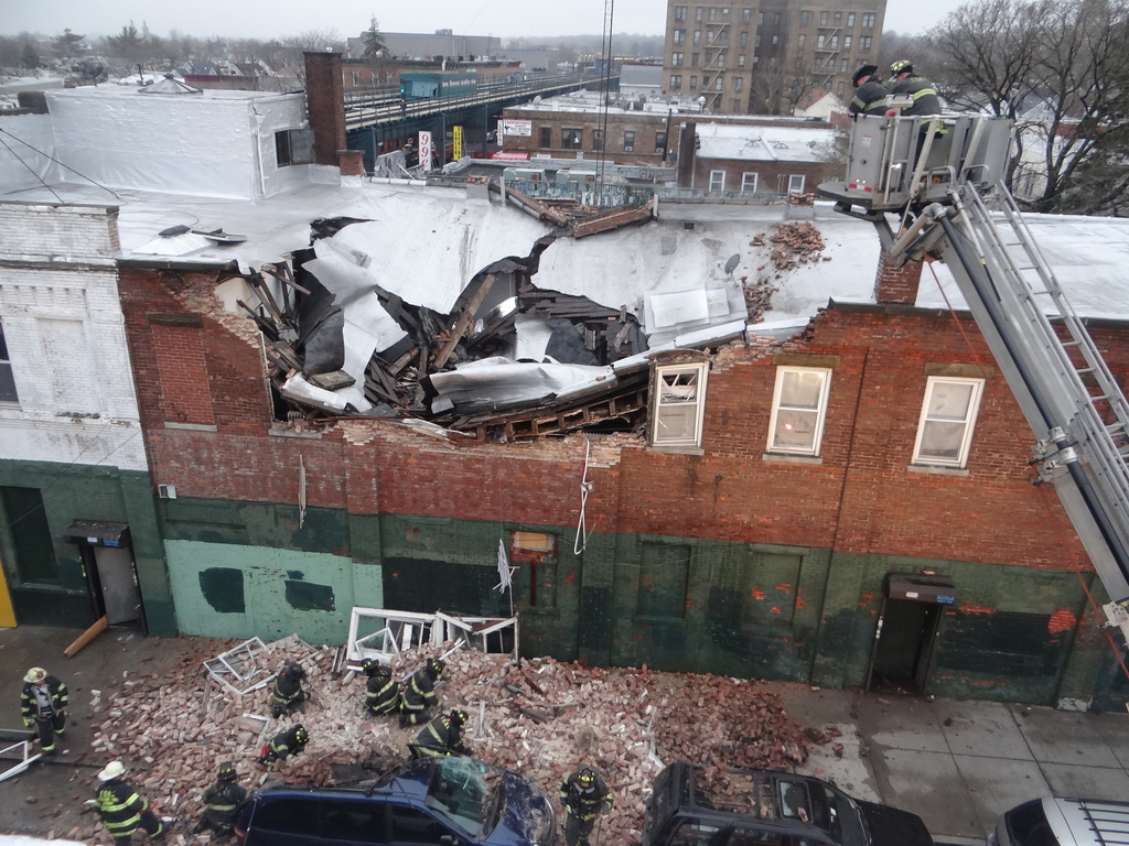 A building at 78-19 Jamaica Ave. that partially collapsed more than one year ago is slated for be torn down, city officials said. File photo