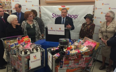 Queens Supermarket Donates 1,000 Pounds of Kosher Food