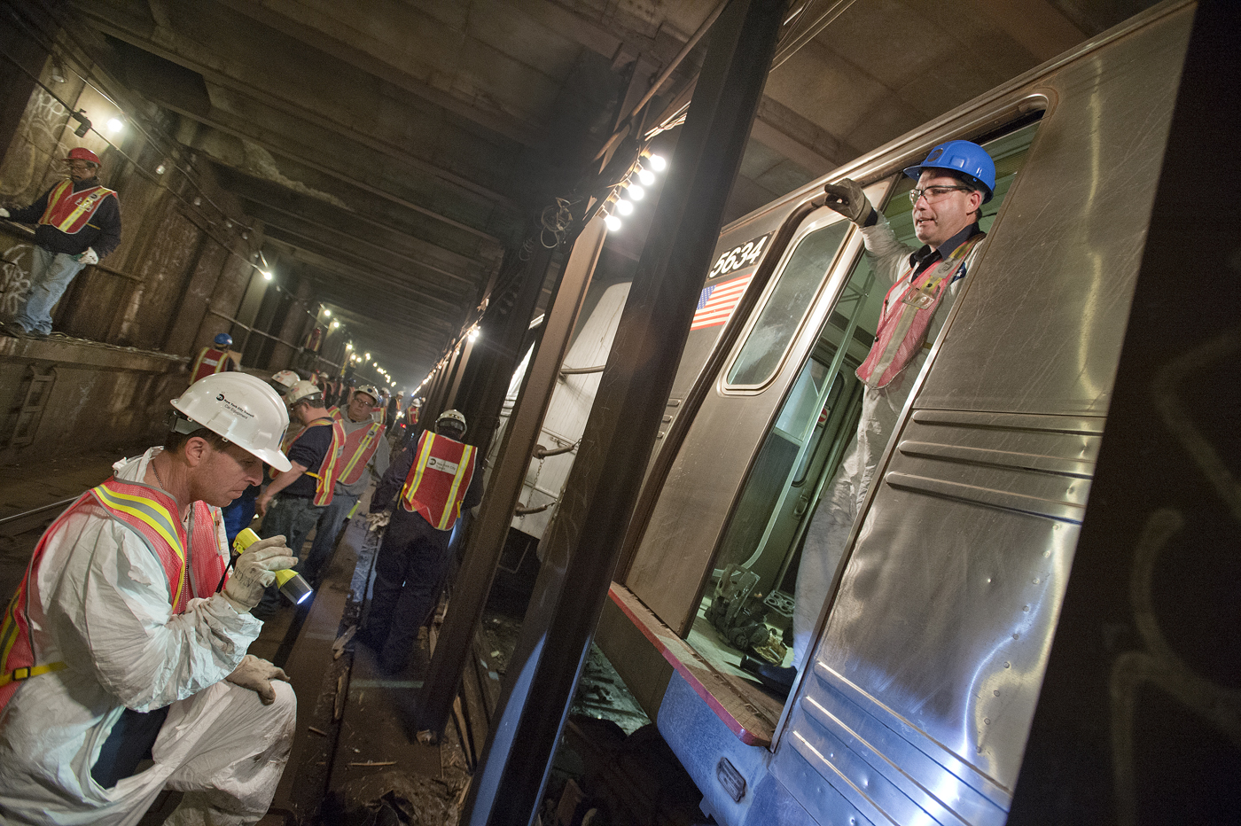 F Train Derails in Woodside, City Vows 'Thorough