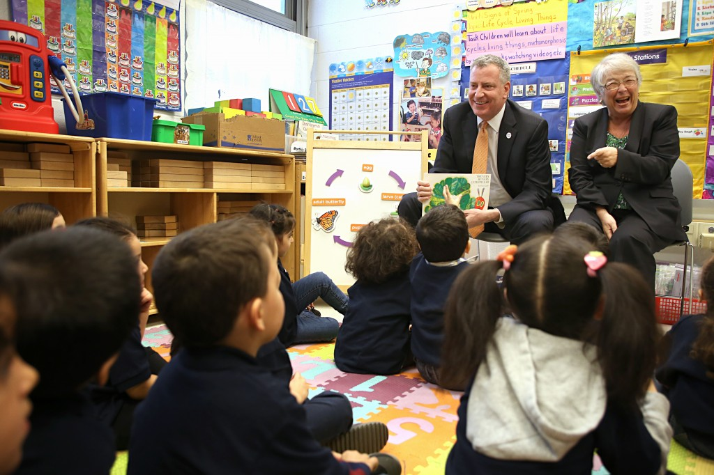 Mayor Bill de Blasio, pictured here with city Schools Chancellor Carmen Farina, at a previous trip to PS 239, again visited the Ridgewood school Tuesday to discuss the city's pre-kindergarten plans. Photo courtesy the NYC Mayor's Office