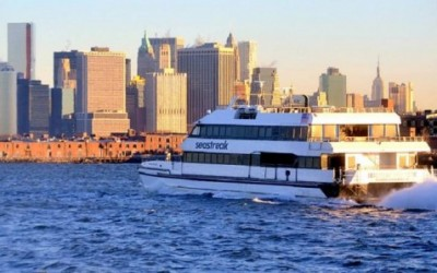 Boro rallies for extended Rockaway Ferry service