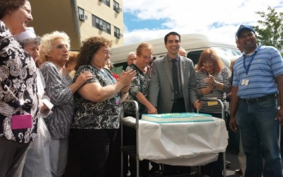 Ulrich, Howard Beach Seniors Laud Bus Program