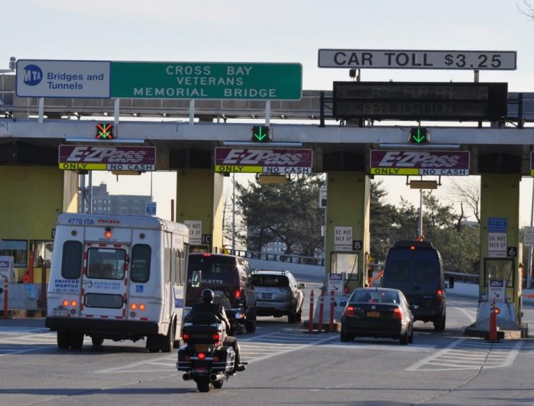 Official Urges MTA to Clean Bridge Parking Lot