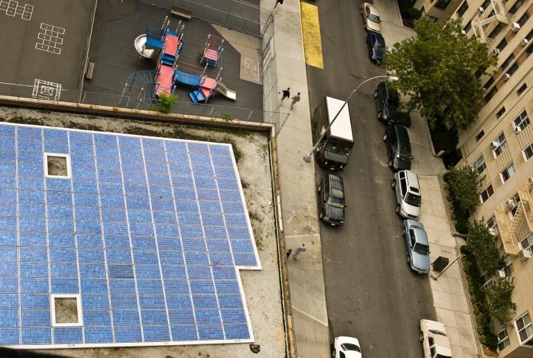 De Blasio Promotes Renewable Technologies Market