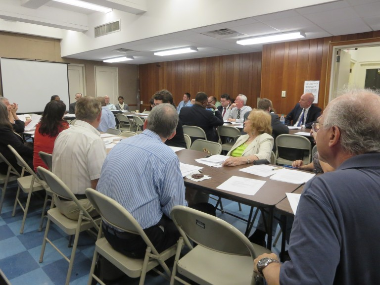 No Consensus on Structure, Bylaws at Airport Committee Meeting
