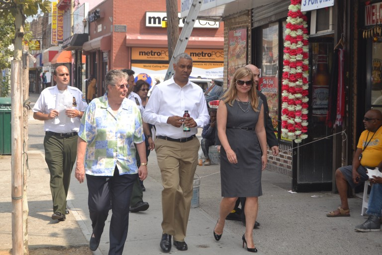 Wills, Sanitation Commissioner Tour Liberty Avenue; Help educate business owners about proper appearance, waste disposal