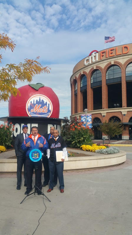 It's NYC vs. Chicago as Elected Officials Wager on Mets-Cubs Series