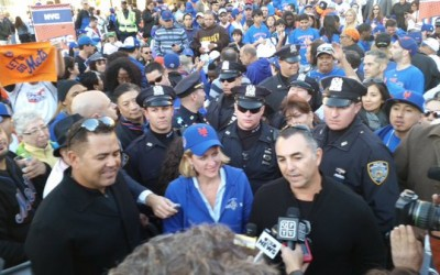 Hundreds of Amazin' Fans Show Team Spirit at Borough Hall Mets Rally