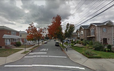 Cops Still Searching  for South Ozone Park  Safe Thieves