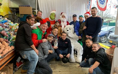 Cross Bay Key Food Celebrates with Santa