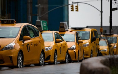 De Blasio Vows to Strengthen Oversight  of Taxi Medallion Brokers