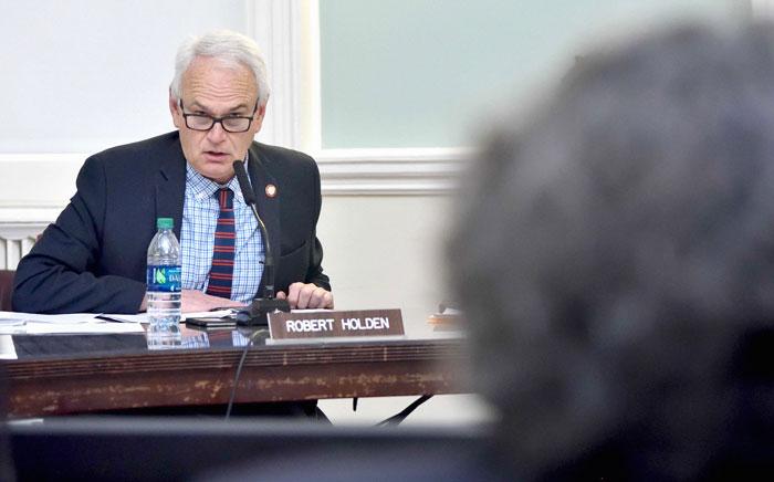 Holden Blasts City Hall over Shelter Plans