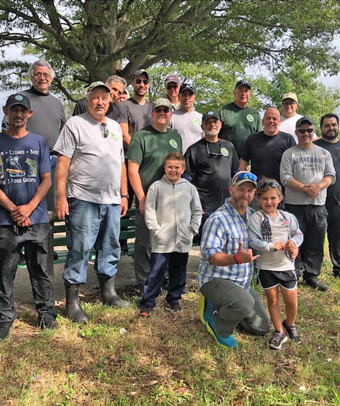 Area Fishermen Tackle Park Trash