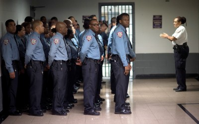 Rikers COs Bribed  to Smuggle Drugs: Feds