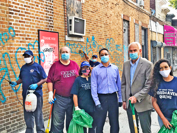 Woodhaven Works Together to Help Beautify the Community
