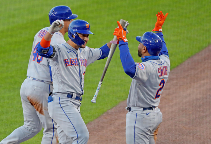 Billionaire Reaches Deal to Buy Mets
