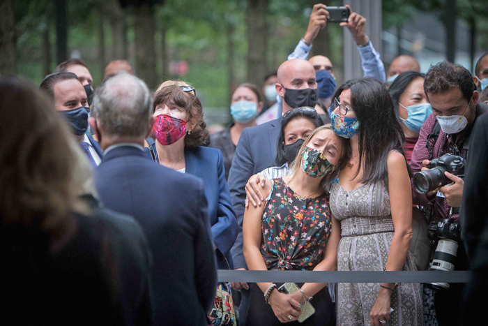 Photo Courtesy of Michael Appleton/Mayoral Photography Office Mourners at the World Trade Center site Friday morning.